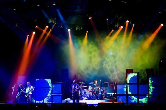 Photo 11 in 'Alice In Chains - Summer And Fall Tour - 2007' gallery showcasing lighting design by Mike Baldassari of Mike-O-Matic Industries LLC