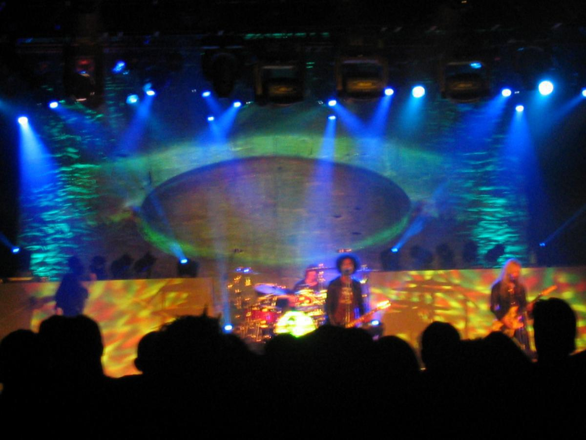 Photo 8 in 'Alice In Chains - Reunion Tour - Fall 2006' gallery showcasing lighting design by Mike Baldassari of Mike-O-Matic Industries LLC
