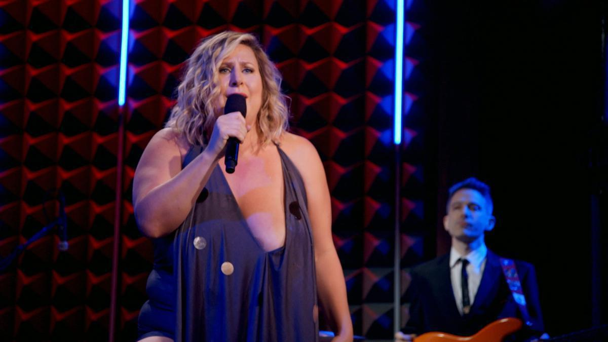 Photo 9 in 'Bridget Everett - Gynecological Wonder' gallery showcasing lighting design by Mike Baldassari of Mike-O-Matic Industries LLC